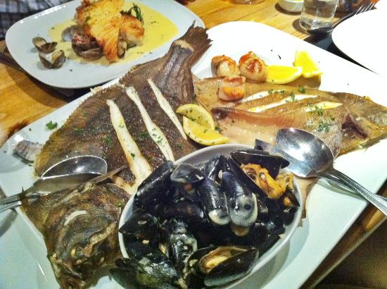 Beamers Restaurant: Main of Brixham fish platter for two made up of a selection of seasonal day boat fish