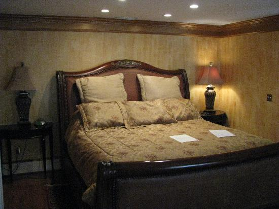 1840s Carrollton Inn: Annapolis Suite