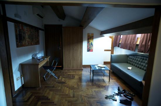 Suite Artis Barberini: Apartment Room (downstairs)