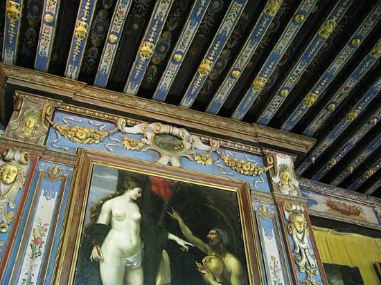 Chateau de Cormatin: somptueux décors d'or et de lapis lazuli