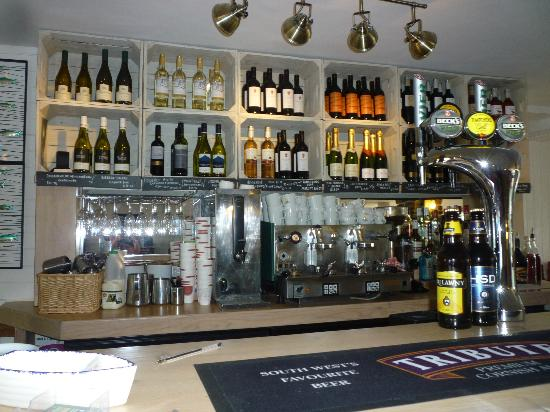 Torcross Boat House: Wine, beer and real coffee at the boathouse