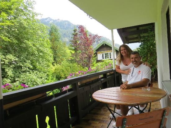 Das Posch Hotel: deck was connected to our bedroom, just beautiful and a nice big deck to enjoy the views
