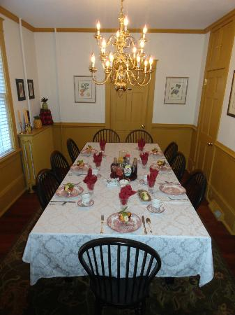 Cresson House Bed & Breakfast: Dining room