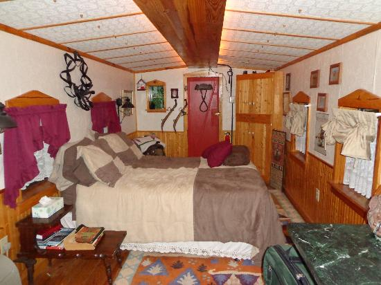 Livingston Junction Cabooses: Bedroom