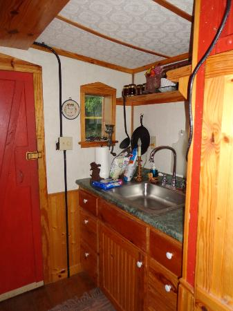 Livingston Junction Cabooses: Kitchenette