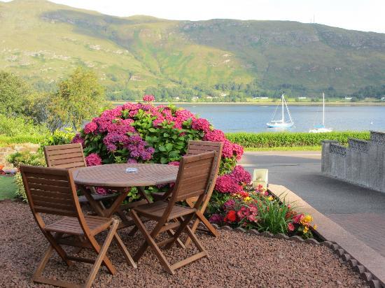 Ardlinnhe Guest House: Terraza exterior