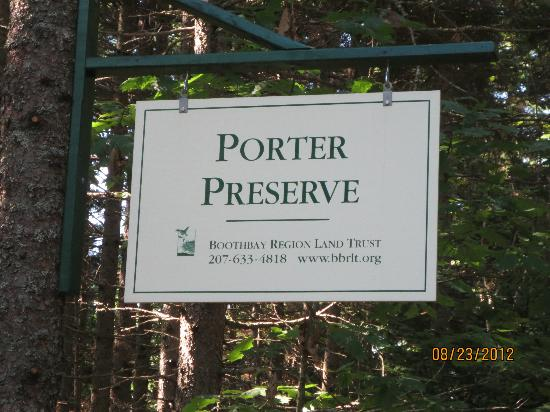Boothbay Region Land Trust : Sign at entrance
