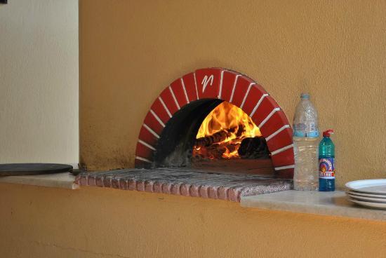Hotel Vergos: pizza owen