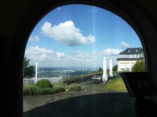 Steigenberger Grandhotel Petersberg: Gym mit Aussicht