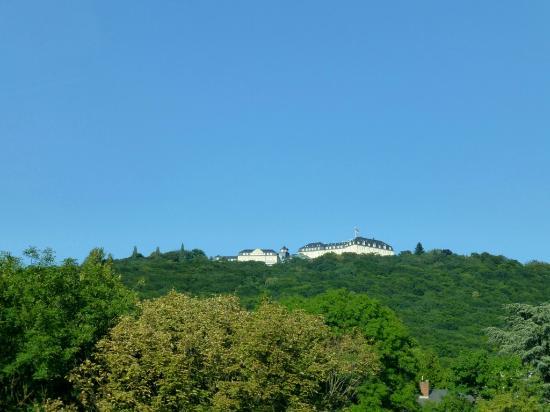 Steigenberger Grandhotel Petersberg: Spektakuläre Lage