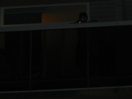 Aparthotel CYE Holiday Centre: Child on balcony burning people's retinas with a lazer pen.