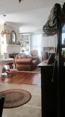 Red Door Inn of Canandaigua B & B: another room to enjoy