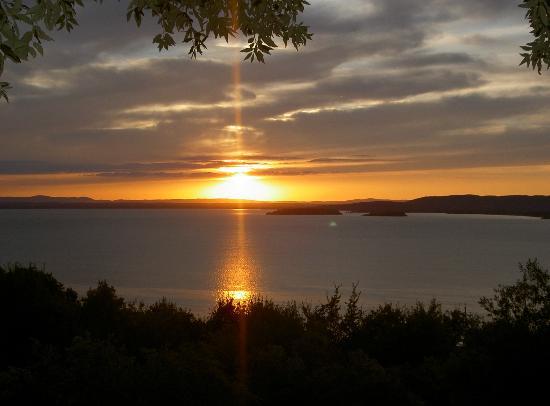Miralago: coucher du soleil sur le lac Trasimène