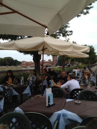 Pizzeria Vesuvio : Garten