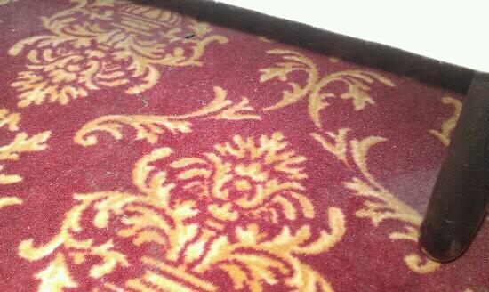 Hotel Kong Valdemar: gulvet under seng