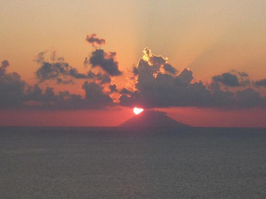 Hotel Grotticelle: Tramonto sullo Stromboli