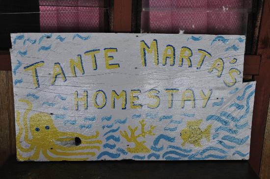 Tante Martha Homestay: Nuova insegna che troverete