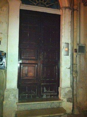 Residenza Grimaldi: ingresso principale