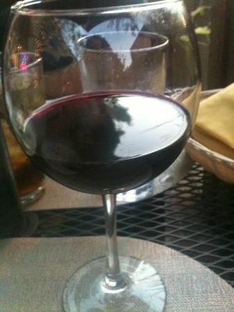 Praga Restaurant: argentine wine