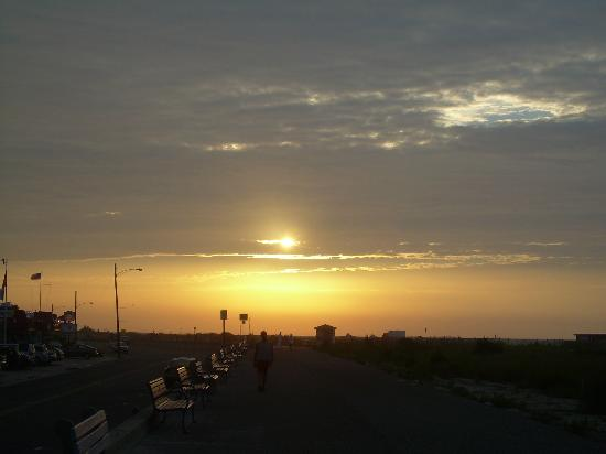Inn of Cape May: Dawn at The Beach