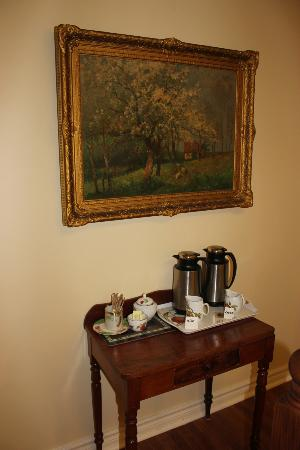 Britaly Bed and Breakfast: Yummy coffee ready outside our door at 7am