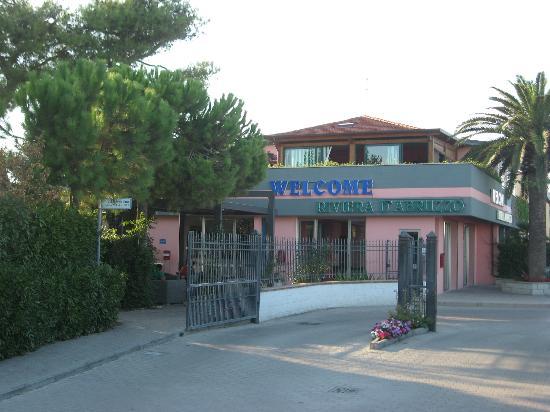 Villaggio Welcome Riviera d'Abruzzo: Ingresso (rinnovato nel 2012)