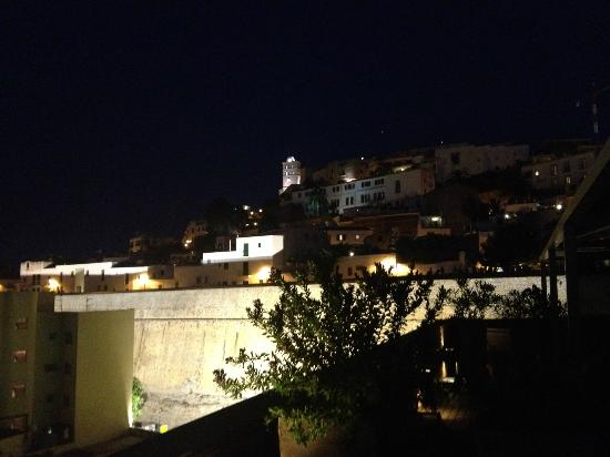 Hostal Parque: Roof top terrace room 503