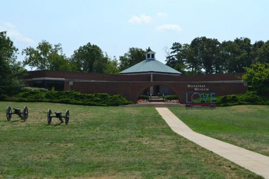 The Manassas Museum: Front of museum, parking in back.