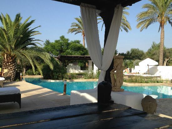 Agroturismo Atzaro: The main swimming pool..