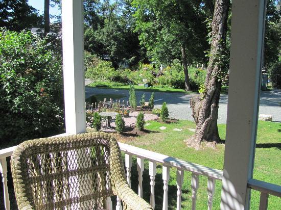 Mira Monte Inn: Balcony