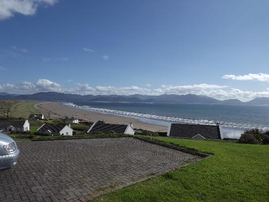 Inch Beach Guesthouse: View of Inch Beach from our front door!