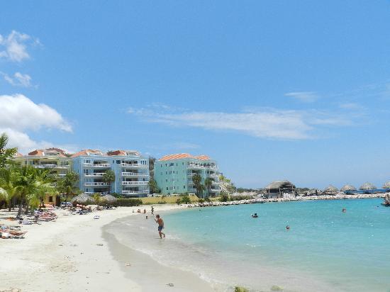 Blue Bay Curacao Golf & Beach Resort: Blue Bay Beach