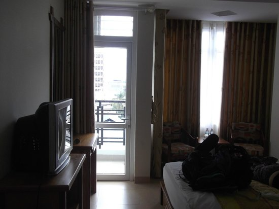 Hoang Hai (Golden Sea) Hotel: Good sized room