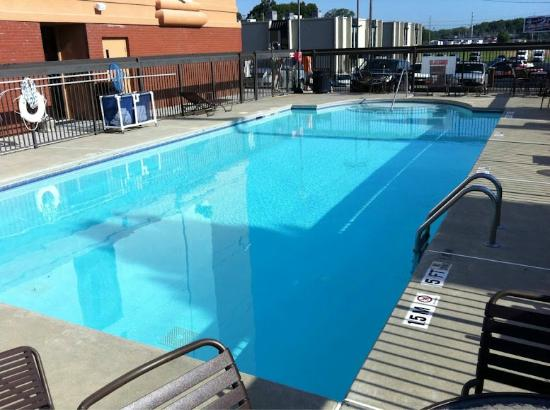 Hyatt Place Atlanta Airport North : Hyatt Place Atlanta North - pool