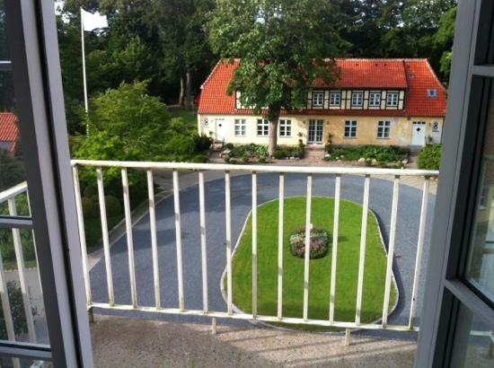 Gl. Skovridergaard: balcon and view
