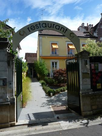 L 39 entr e photo de le jardin gourmand auxerre tripadvisor for Jardin gourmand auxerre