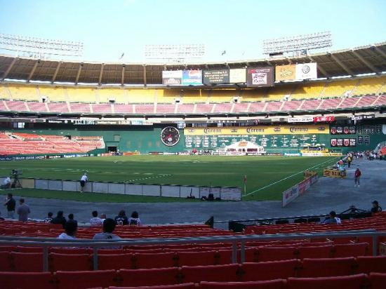 DC United Soccer game - Pictur...