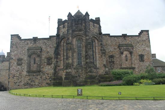 Edinburgh castle 1 o clock