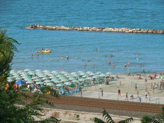 Altidona, Italy: la spiaggia
