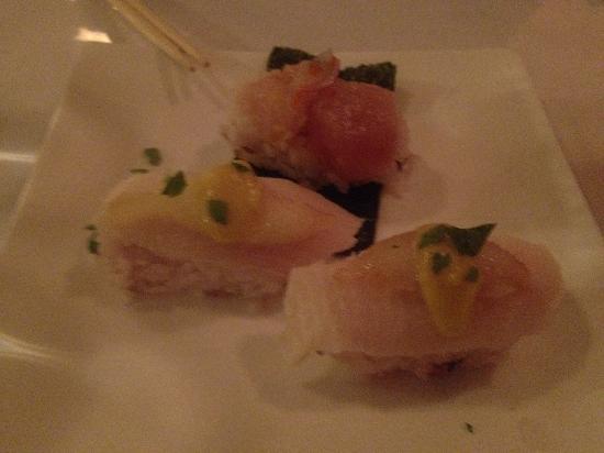 Vivify Japanese Restaurant at The Lodge: sushi
