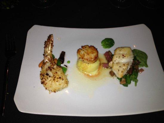 Trattoria Divina: Chef Hugo makes a Shell Fish Trio.
