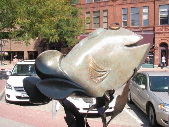 Best Western Plus Ramkota Hotel: Sculpture Walk - Downtown Sioux Falls