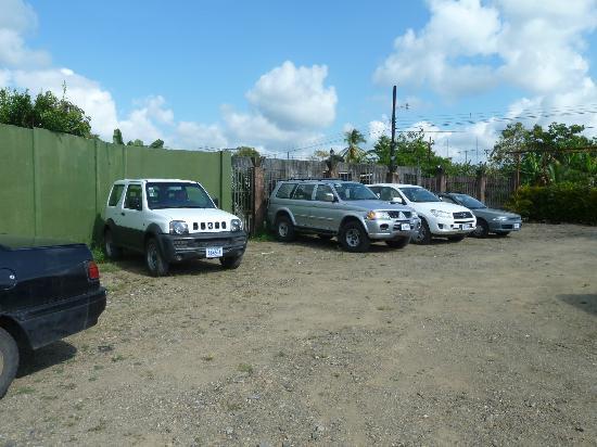 Las Caletas Lodge: Parkplatz in Sierpe
