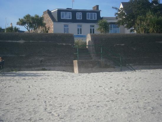 Ocean Walk: Oceanwalk from the beach
