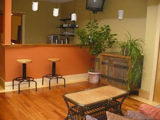 Walnut Street Inn: Common kitchen areaand juice bar for all guests