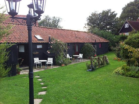 Le Grys Barn: The rooms from the outside