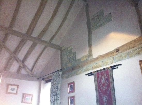 Le Grys Barn: Beautiful original features inside the Garden room.