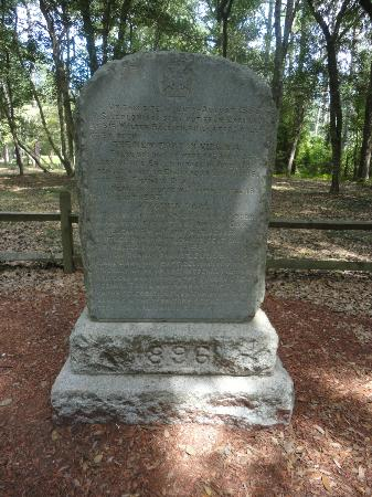 Fort Raleigh National Historic Site: Gravestone for the Lost Colonists