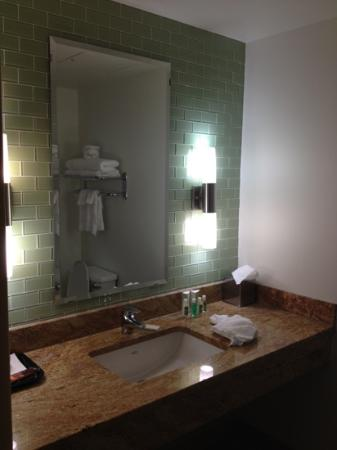 Black Bear Casino Resort Hotel: very nice modern bathrooms