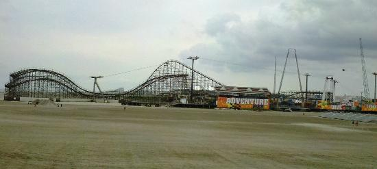 Morey's Piers and Beachfront Water Parks: Adventure Pier